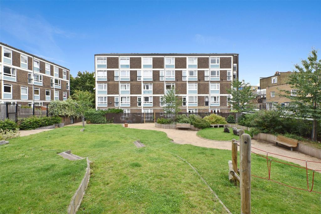 2 Bedrooms Flat for sale in McBride House, 5 Libra Road, London, E3