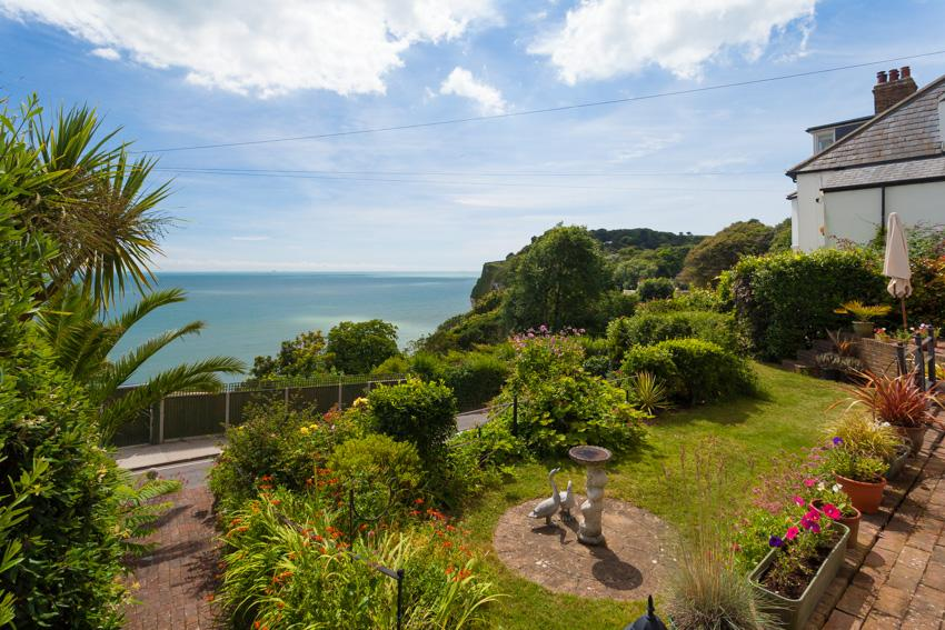 4 Bedrooms Detached House for sale in Bay Hill, St Margarets Bay