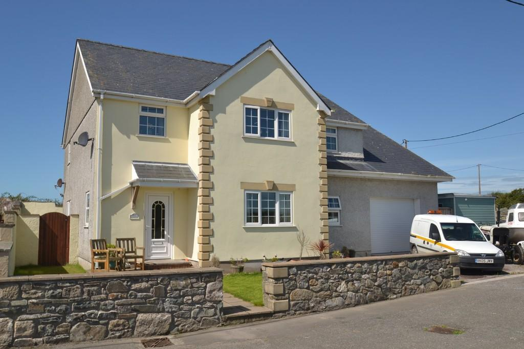 4 Bedrooms Detached House for sale in Aberffraw, Ty Croes, North Wales