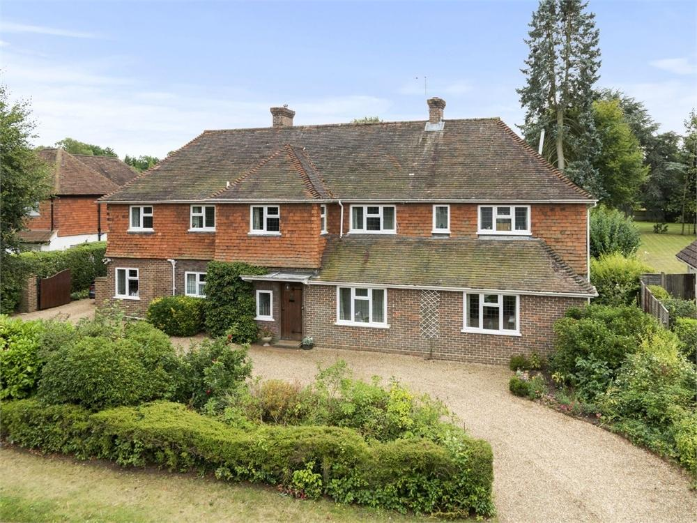 5 Bedrooms Detached House for sale in Pilgrims Way, Guildford, Surrey