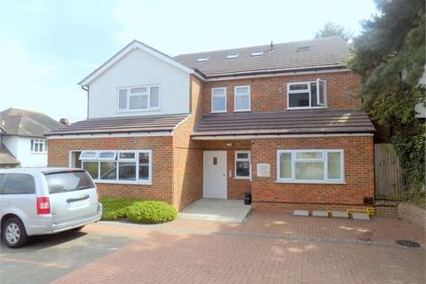 2 bedroom ground floor flat to rent - Woodbury Close, Croydon, Croydon, Surrey. CR0 5PR