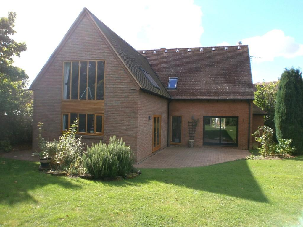 4 Bedrooms Detached House for sale in Farriers Court, Wasperton, Warwick