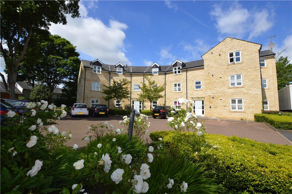 2 Bedrooms Apartment Flat for sale in The Crescent, Shires Court, Boston Spa, Wetherby