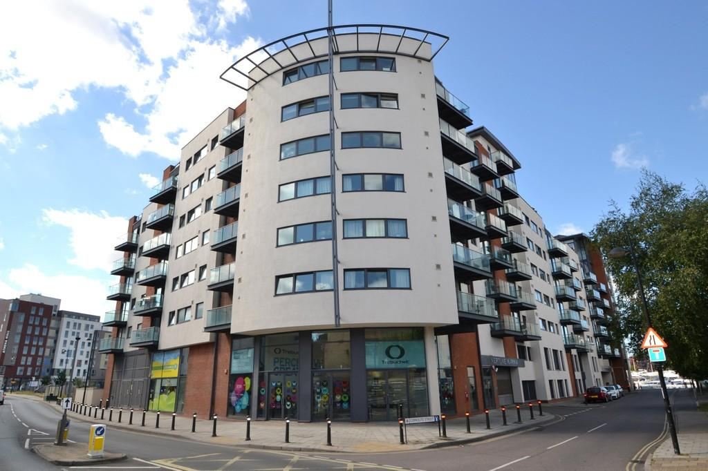 2 Bedrooms Apartment Flat for sale in Neptune Marina, Coprolite Street, Ipswich