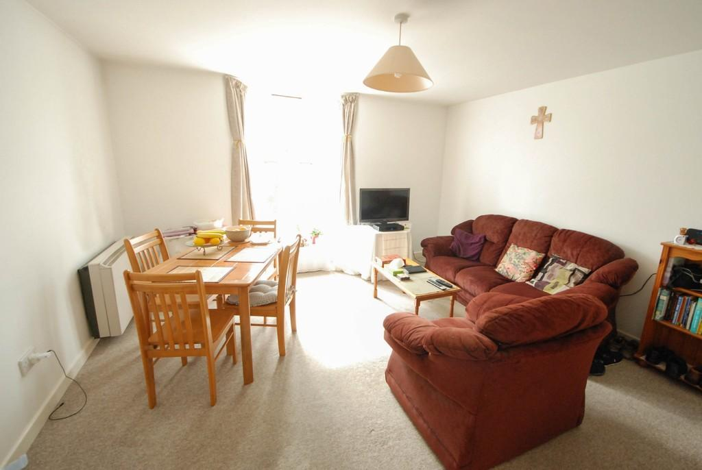 2 Bedrooms Apartment Flat for rent in North Parade, Aberystwyth
