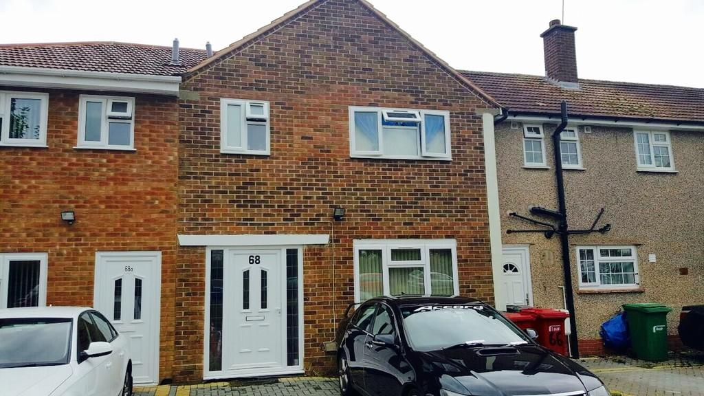 3 Bedrooms Terraced House for sale in Norway Drive, Slough