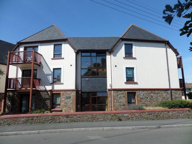 2 Bedrooms Apartment Flat for sale in Diddywell Road, Northam, Bideford
