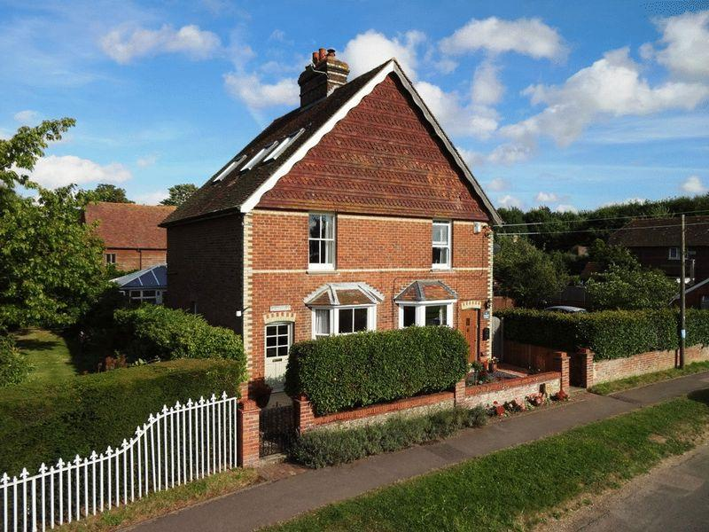 3 Bedrooms Semi Detached House for sale in Lees Road, Laddingford