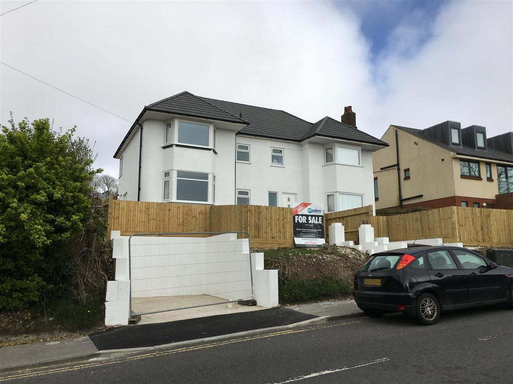 4 Bedrooms Semi Detached House for sale in Balsdean Road