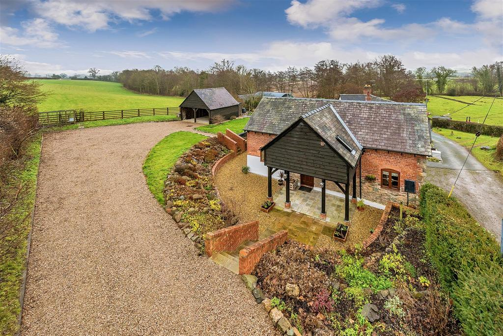 3 Bedrooms Detached House for sale in Guilsfield, Nr Welshpool