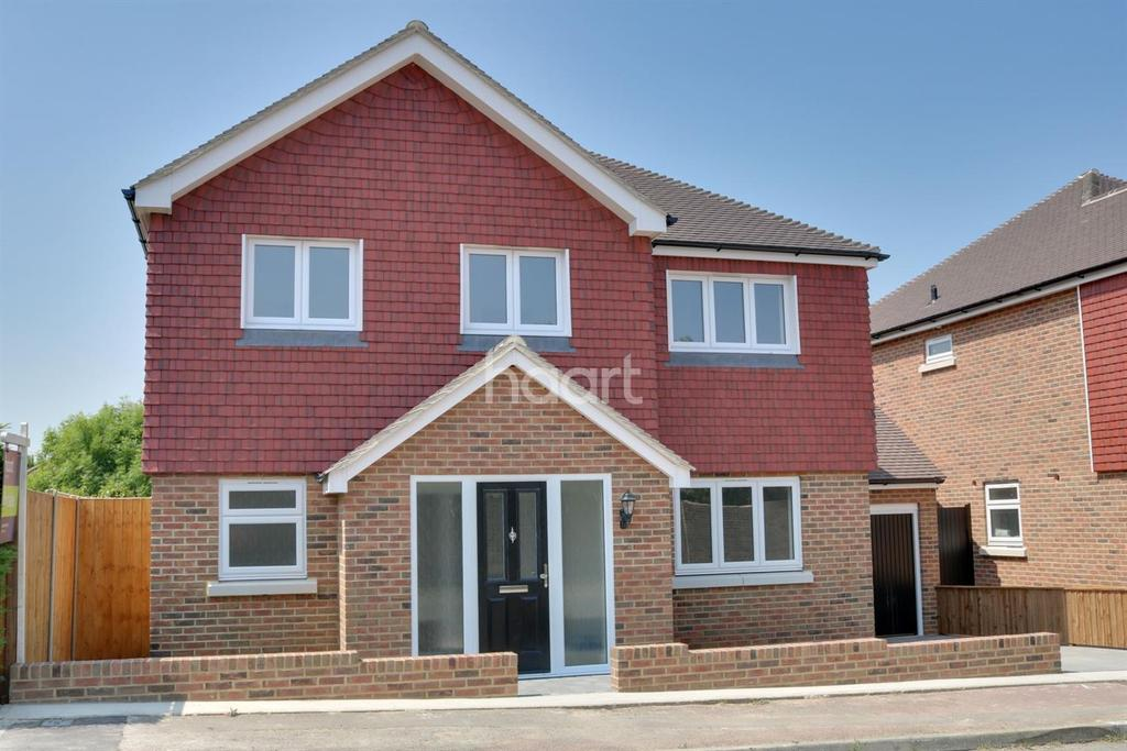 4 Bedrooms Detached House for sale in St Johns Way, Rochester, Medway, ME1