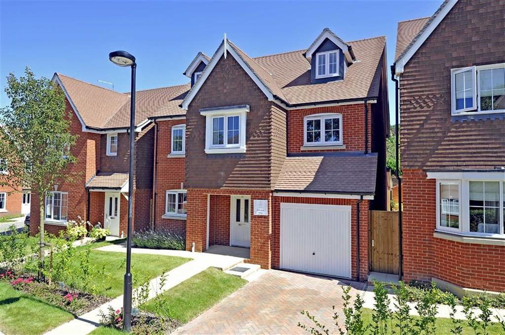 4 Bedrooms Detached House for sale in The Croft, Foreman Road, Ash Green, GU12