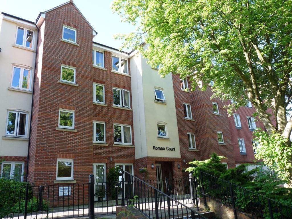 1 Bedroom Retirement Property for sale in Edenbridge town
