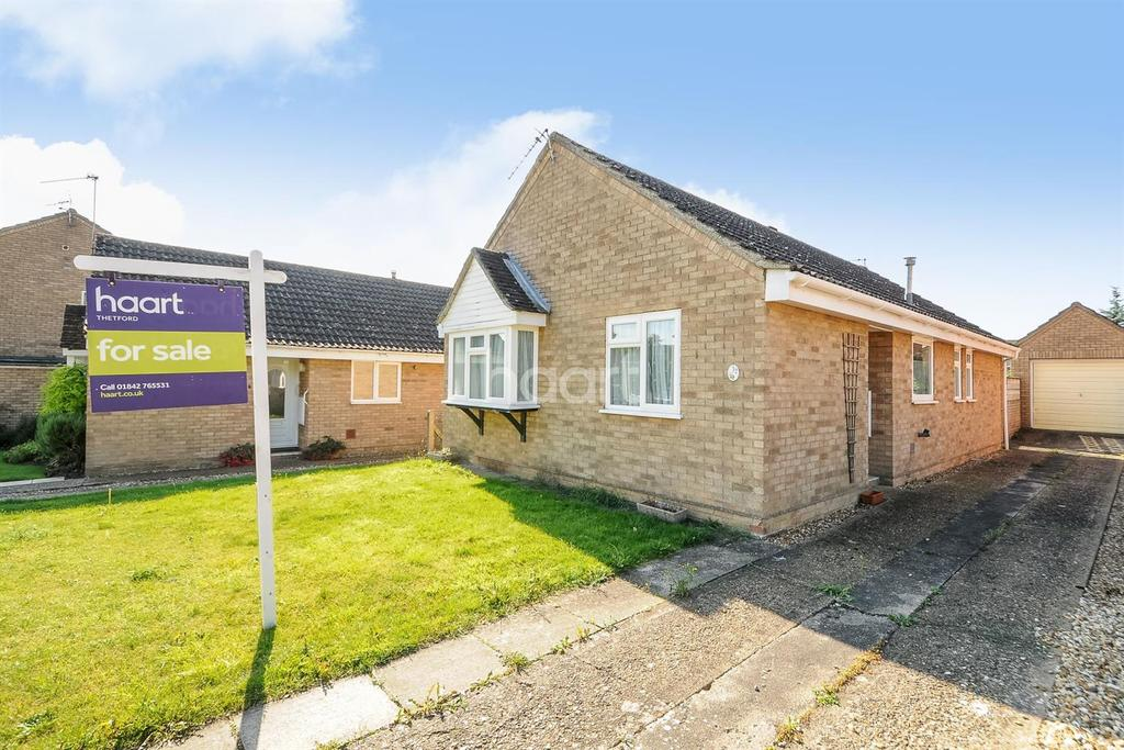 3 Bedrooms Bungalow for sale in Tennyson Way, Thetford