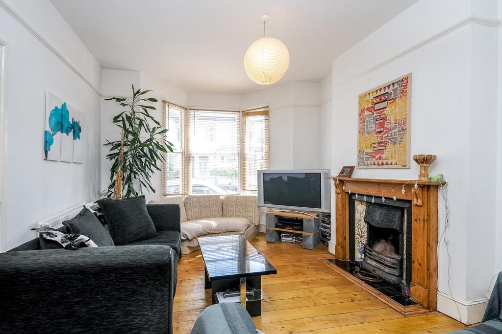 4 Bedrooms Terraced House for sale in Leswin Road, Stoke Newington