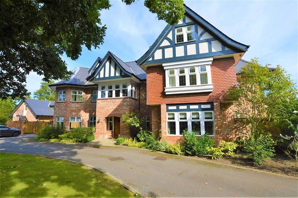 5 Bedrooms Detached House for sale in Hale Road, Hale Barns, Cheshire, WA15