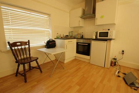 Studio to rent - Harborne Lane, Birmingham, West Midlands, B17 0NT