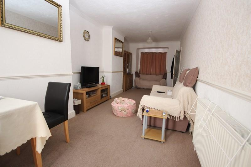 2 Bedrooms End Of Terrace House for sale in Anchor Road, Clacton-On-Sea