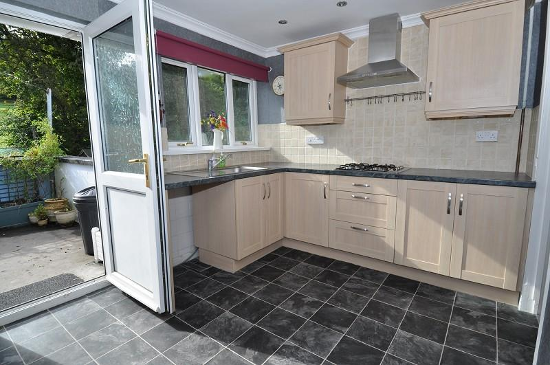 2 Bedrooms Flat for sale in 59 Sir Ivor Place, Dinas Powys CF64 4RA