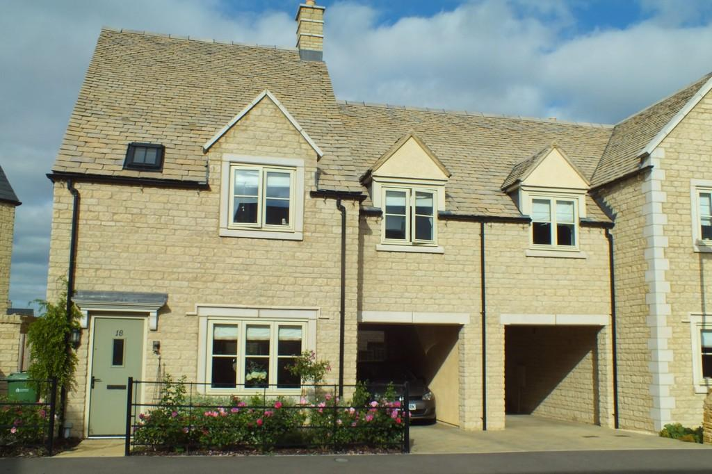 4 Bedrooms Semi Detached House for sale in Fairford