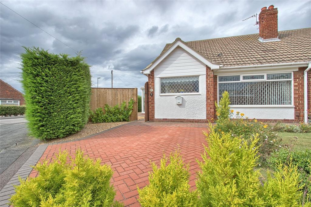 2 Bedrooms Semi Detached Bungalow for sale in Riftswood Drive, Marske-by-the-Sea