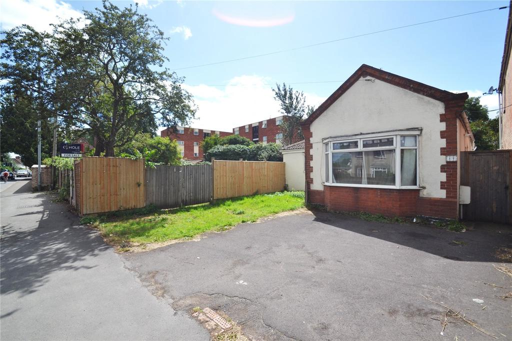 3 Bedrooms Detached Bungalow for sale in Kingslake Villas, Taunton Road, Bridgwater, Somerset, TA6