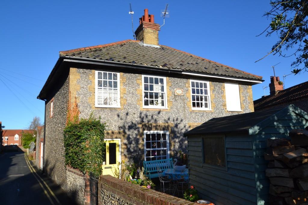 3 Bedrooms Cottage House for sale in Holt