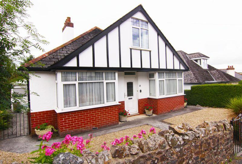 4 Bedrooms Detached House for sale in Limehayes Road, Okehampton