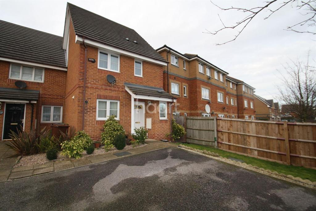 3 Bedrooms End Of Terrace House for sale in Galleons Drive