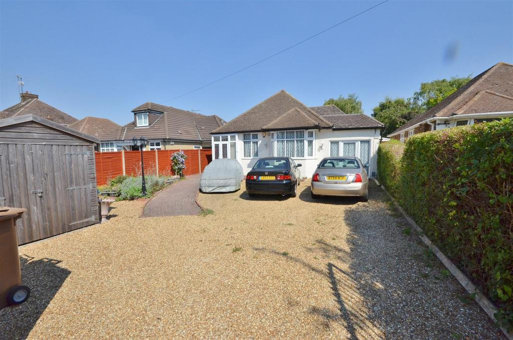 4 Bedrooms Detached Bungalow for sale in Barton Road
