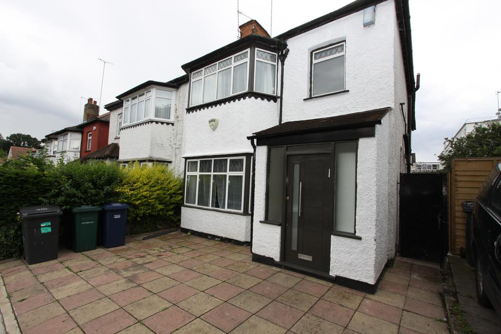 3 Bedrooms Semi Detached House for sale in Princess Park Avenue, Golders Green, London NW11