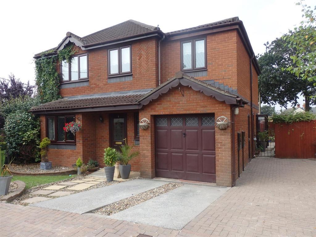 4 Bedrooms Detached House for sale in Llys Y Pinwydd, Bryn, Llanelli