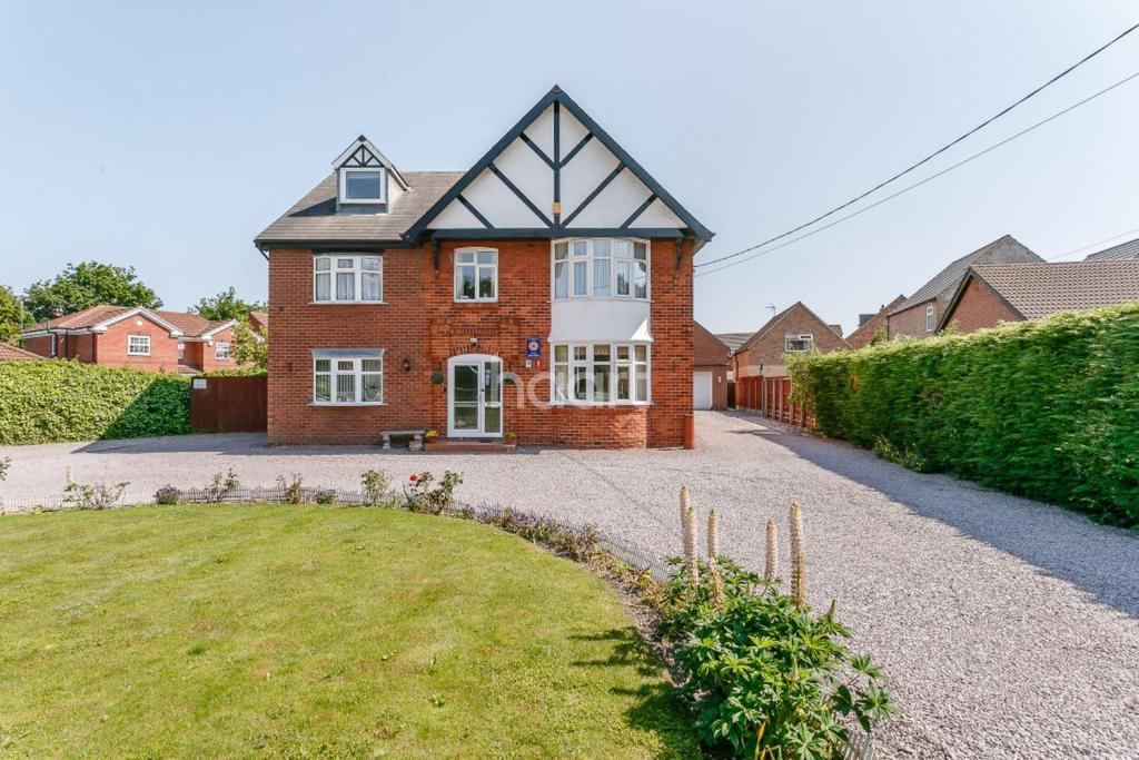 10 Bedrooms Detached House for sale in Newark Road, North Hykeham, Lincoln