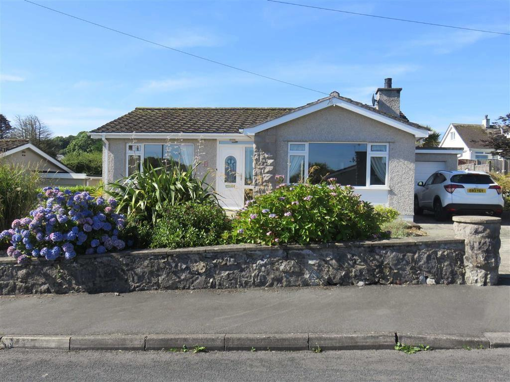 2 Bedrooms Detached Bungalow for sale in Lon Gogarth, Benllech, Isle Of Anglesey
