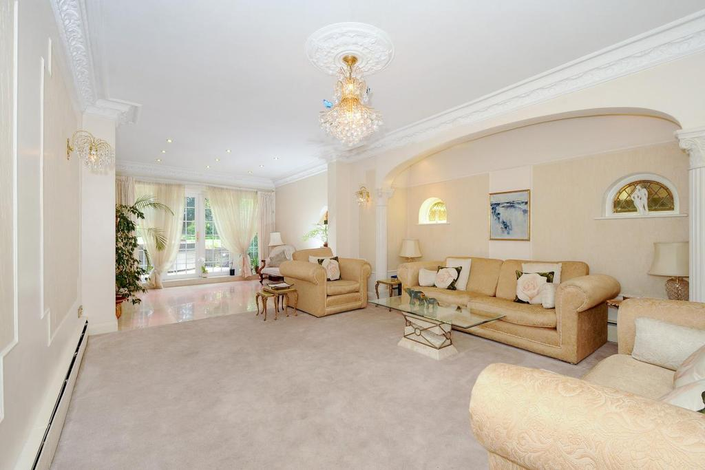 5 Bedrooms Detached House for sale in Woodside Avenue, Woodside Park, N12