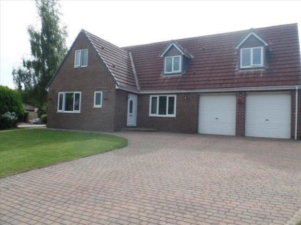 4 Bedrooms Detached Bungalow for sale in MARWOOD GROVE, PETERLEE, OAKERSIDE, PETERLEE