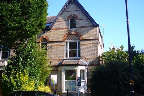 2 bedroom flat to rent - Albert Crescent, Penarth