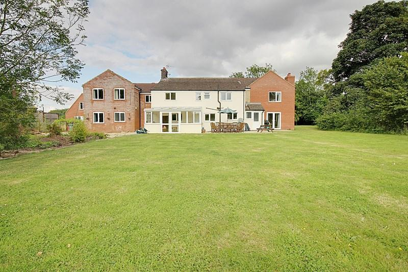 6 Bedrooms Detached House for sale in Podmore Lane, Scarning, Dereham