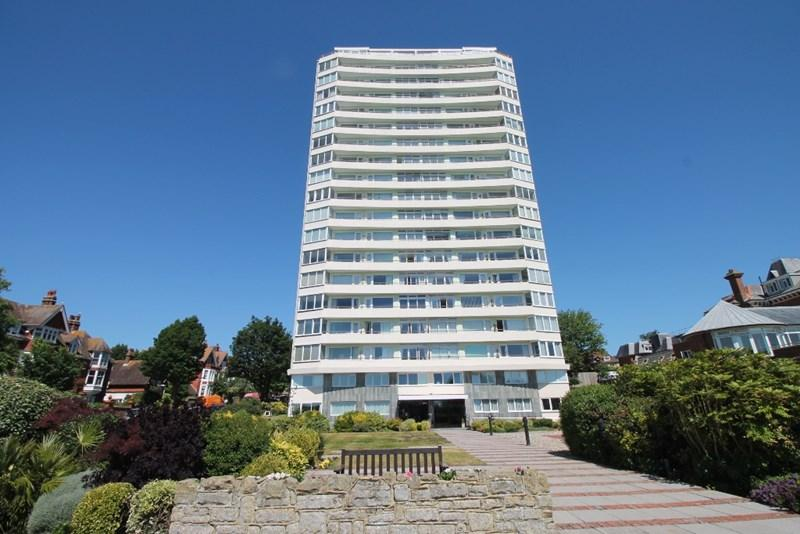 3 Bedrooms Apartment Flat for sale in Bolsover Road, Eastbourne