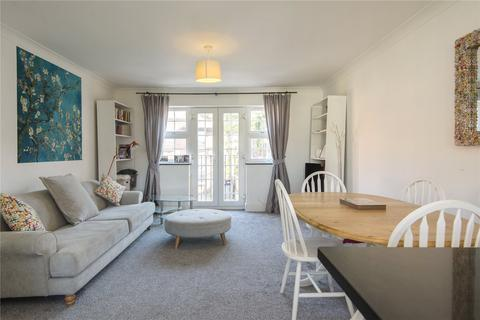 2 bedroom flat to rent - Romford Road, London, E15