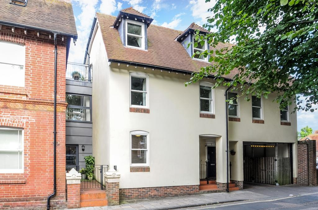 3 Bedrooms House for sale in South Pallant, Chichester, PO19