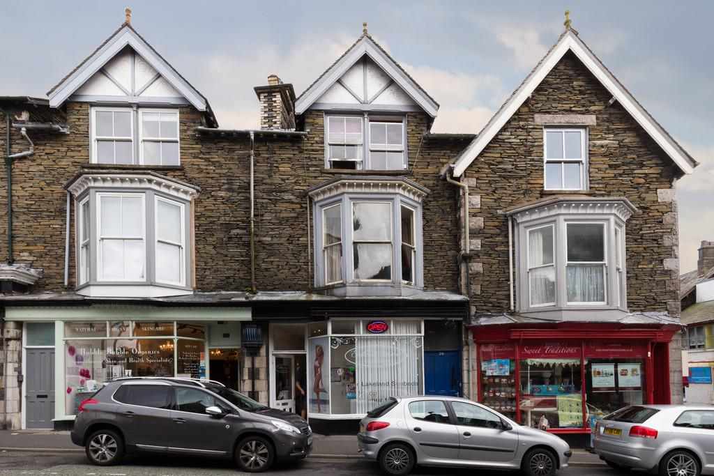 4 Bedrooms Terraced House for sale in 24 Lake Road, Bowness On Windermere, LA23 3AP