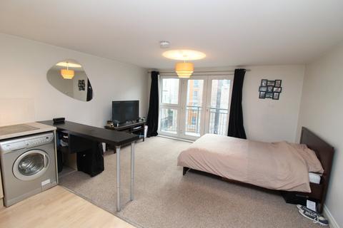 Studio to rent - Marcus House Exeter EX4