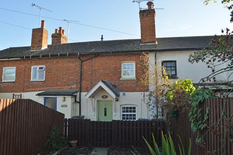 2 bedroom terraced house to rent - Station Road, Burnham-on-Crouch