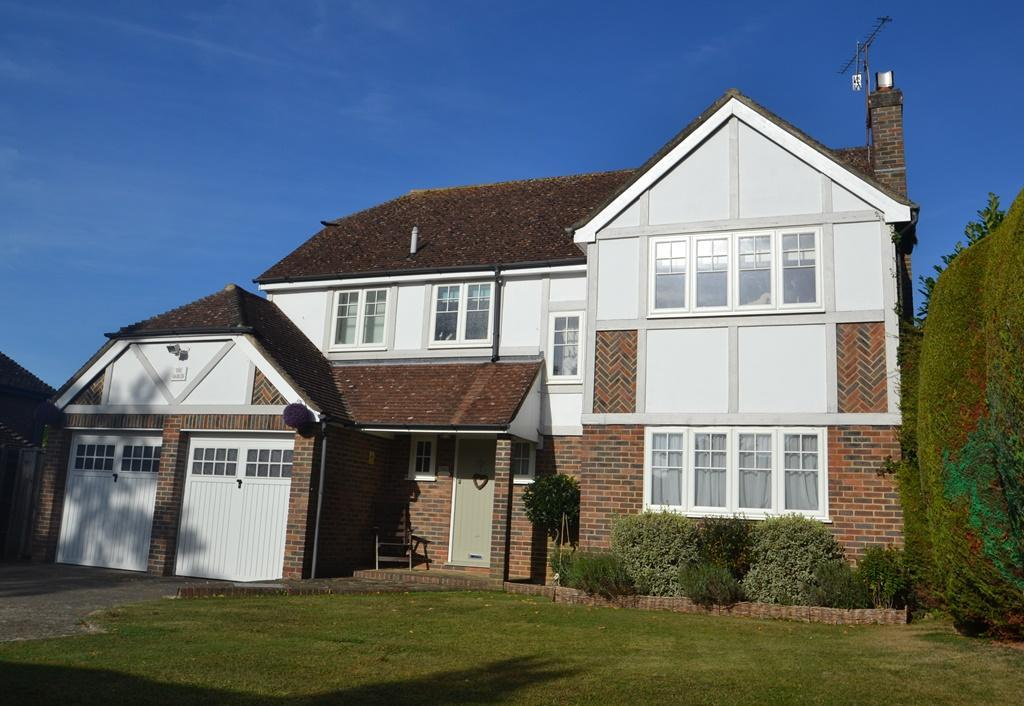4 Bedrooms Detached House for sale in Longlands Grove, Charmandean, Worthing, BN14 9FJ