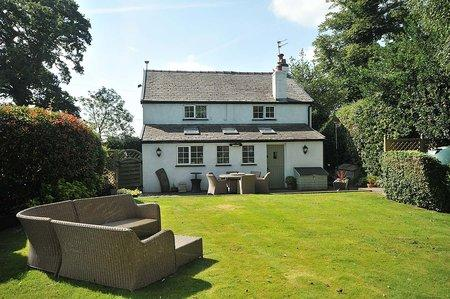 3 Bedrooms Detached House for sale in Cross Cottage, Nether Alderley