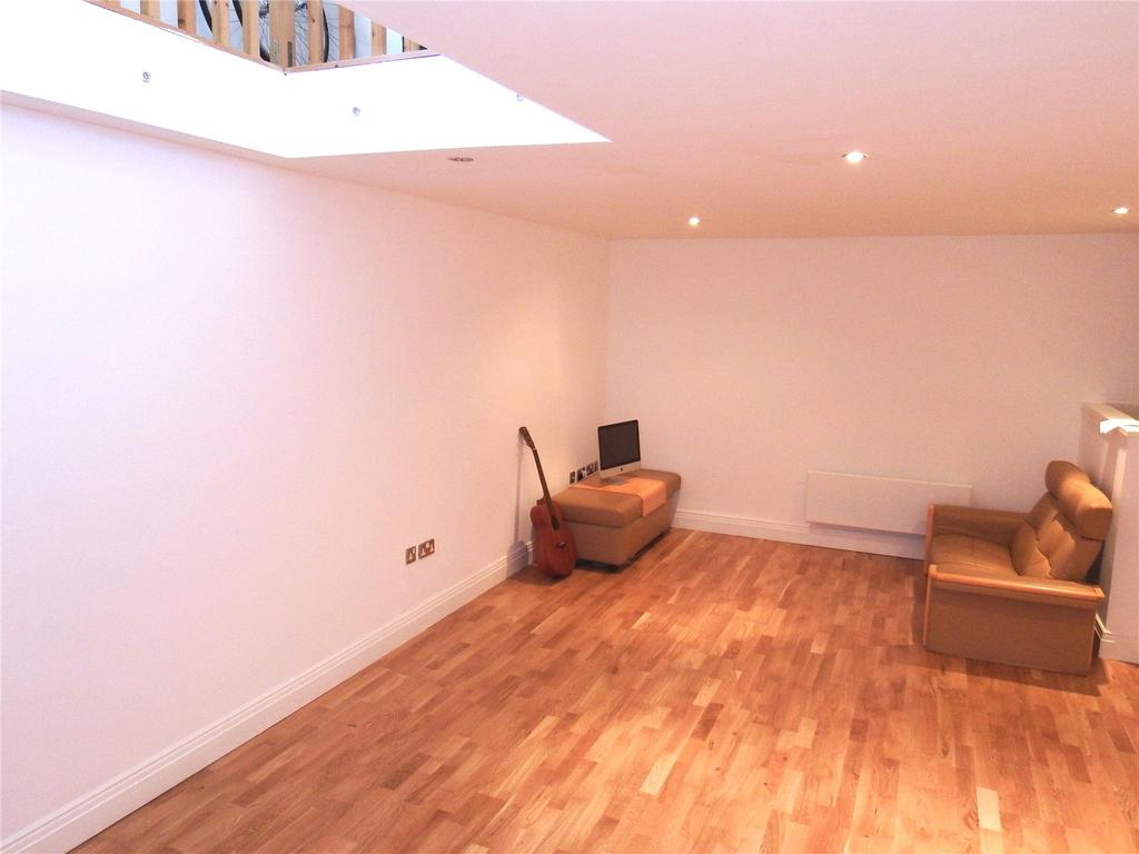 2 Bedrooms Flat for sale in Dock Street, Leeds, West Yorkshire