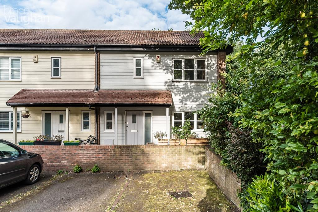 3 Bedrooms End Of Terrace House for sale in Pinewood Close, Brighton, bn1