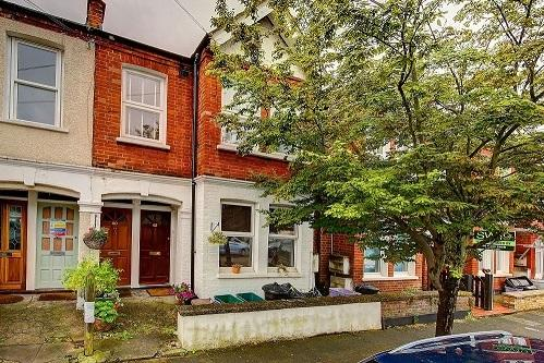 2 Bedrooms Maisonette Flat for sale in BOYD ROAD, COLLIERS WOOD