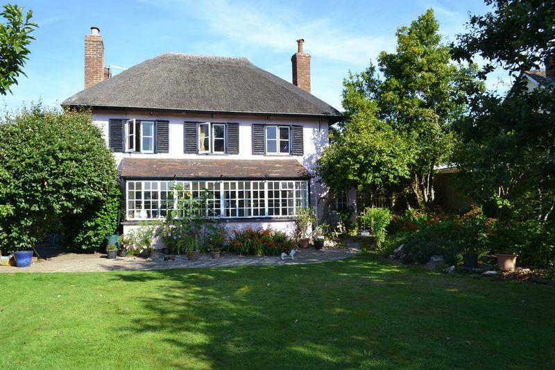 4 Bedrooms Detached House for sale in Manstone Lane, Sidmouth